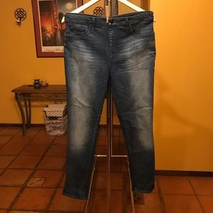 Mossimo High Rise Jegging Crop Jeans Size 12